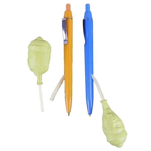 caneta esguincha agua