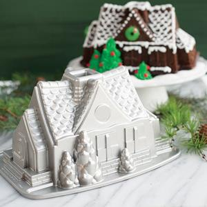Forma Nordic Ware Gingerbread House Bundt