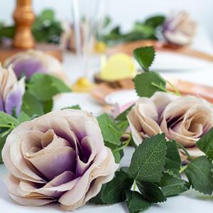Grinalda Rosas Brancas e Lilás com Folhas, 1,80 mt