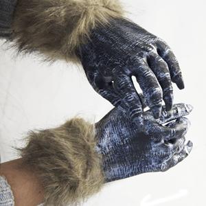 Mãos Lobo com Pêlo, Criança