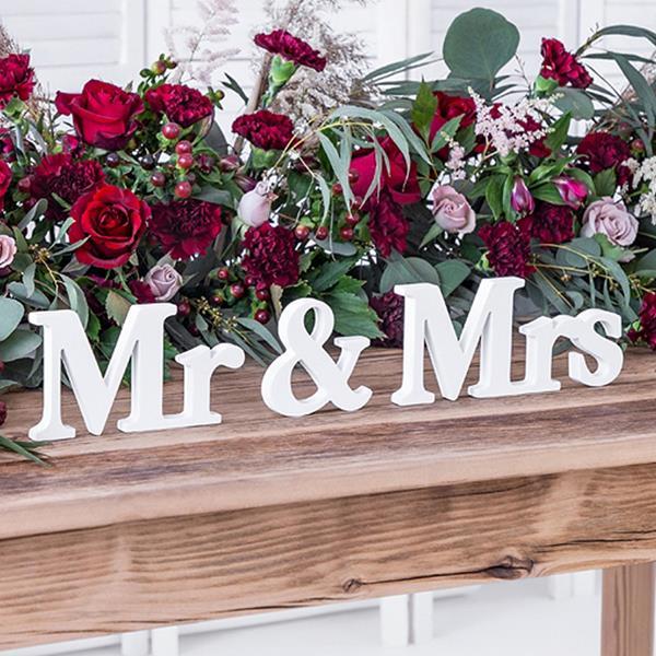 Mr & Mrs Branco Decorativo em Madeira